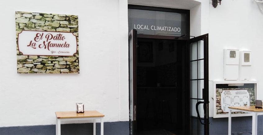 El famoso bar El Rinconcillo de Rota, el de los bistelitos, se traslada a la calle Mina con nuevo nombre, El patio La Manuela