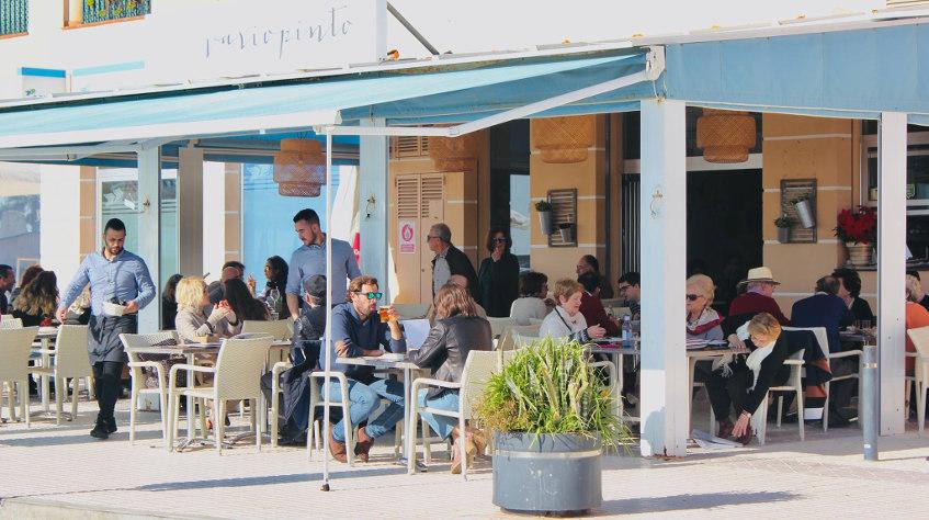 La terraza de Variopinto. Foto: Cosasdecome