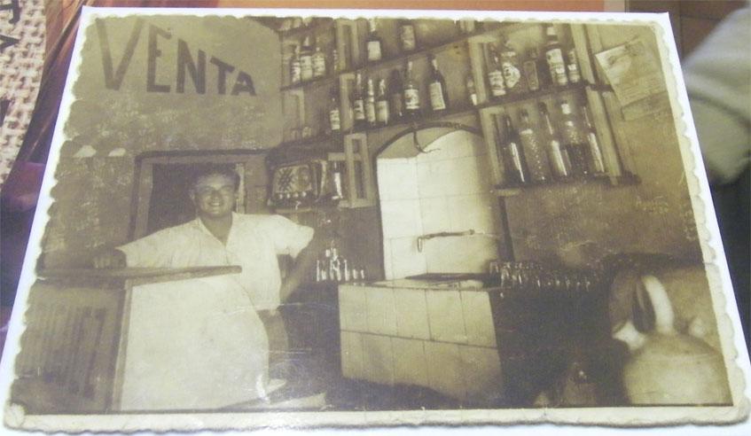 Diego Rodriguez Camacho en la Venta Estebana. La foto es de 1958 o 1959, calcula, cuando aún no tenian ni agua corriente. Foto: Cedida por el establecimiento.