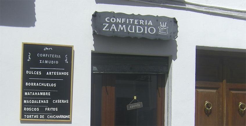 Vista exterior de la confitería Zamudio. Foto: Cosasdecome