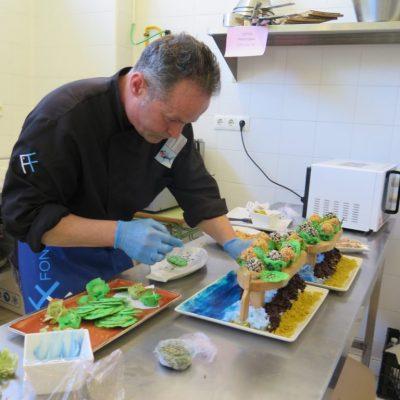 Creación de los platos en la cocina de la Escuela Municipal de Hostelería. Foto: CosasDeComé.