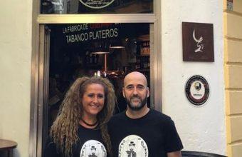 Luz Saldaña y Jaime Jiménez en el Tabanco Plateros. Foto: Cedida por el establecimiento