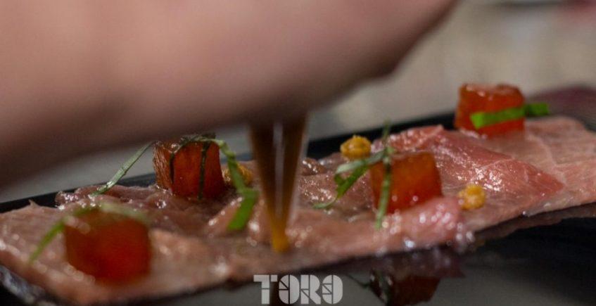 Carpaccio de Tarantelo, miso rojo, daditos de sandía y aceite de sesamo