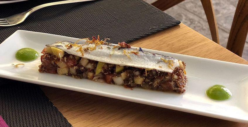 Sardinas sobre picadillo de quinoa847