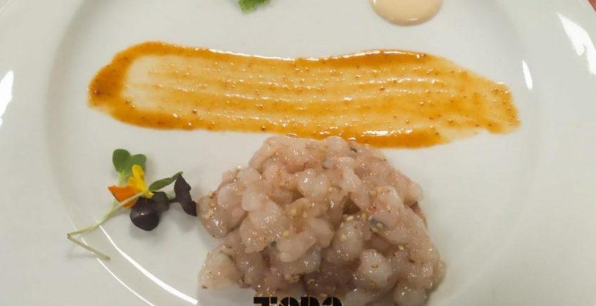 Tartar de gamba blanca con huevas de Tobiko y Wasabi y emulsión de su jugo