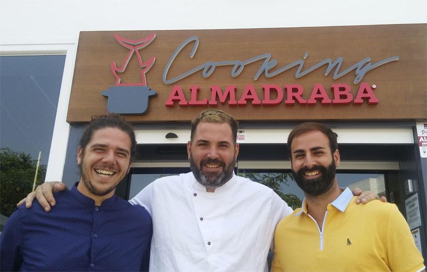 Juan María Ramirez, Mauro Barreiro y Alberto Sánchez, de Petaca Chico. Foto: Cosasdecome