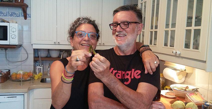 Leonor y Casimiro, brindado con dos okras.
