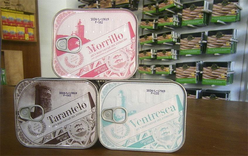 Los tres productos de la colección de atún rojo salvaje del Estrecho lanzados por la Conservera de Tarifa. Foto: Cosasdecome