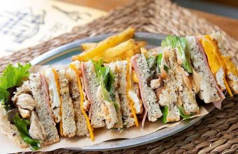 El sandwich de pollo de Saja River