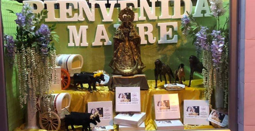 Juan Moreno de Villamartín comienza a preparar sus coronas de la Virgen