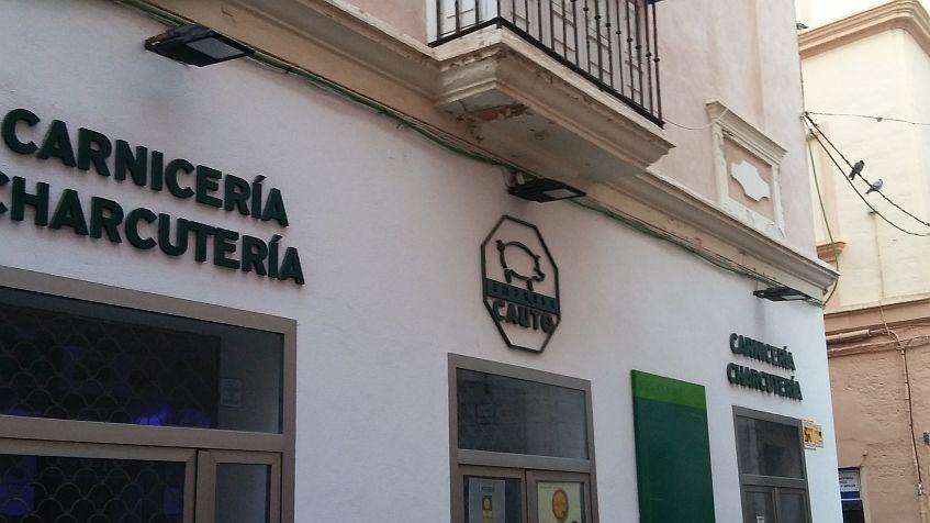El primer establecimiento Cauto a pie de calle, en el casco antiguo de Cádiz.