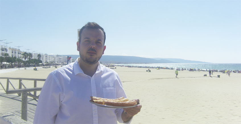 Churros con vistas a la playa en Barbate