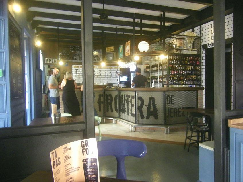 Así es la barra de La Frontera de Jerez. Foto: Cosasdecome