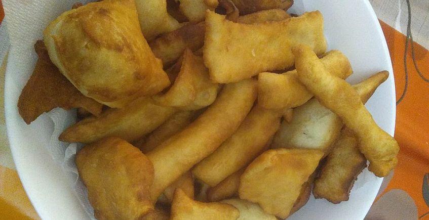 A la venta masa para las tortas fritas de los desayunos de Algar