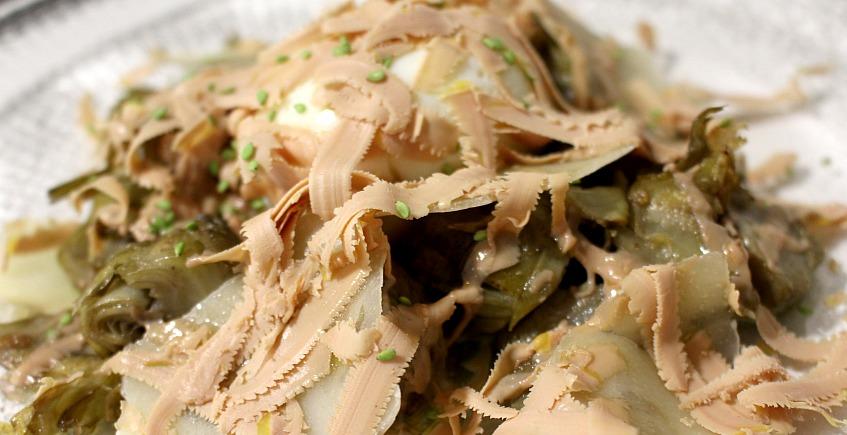 as alcachofas salteadas con huevo poche y virutas de foie847