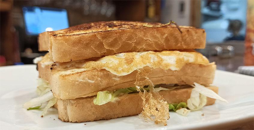 Los misteriosos orígenes del sandwich de pollo