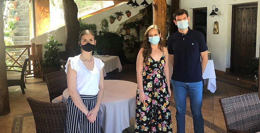 El primer almuerzo y regalo de los ganadores de A Tu Salud, en la Venta Pinto de Vejer y González Byass