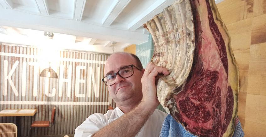 Salicornia de Cádiz lleva sus ostras, carnes y mariscos de lujo a domicilio