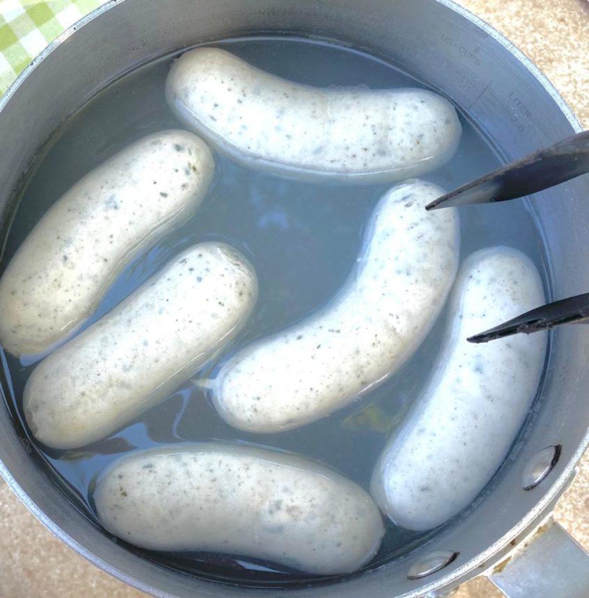 Salchichas blancas alemanas para el desayuno típico bávaro. Foto cedida por el establecimiento