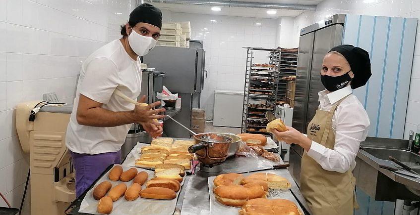 Antiguos trabajadores de La Gloria abren un obrador con sus dulces más recordados