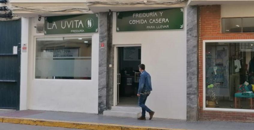 La veterana Uvita de Cádiz abre un freidor con comida preparada