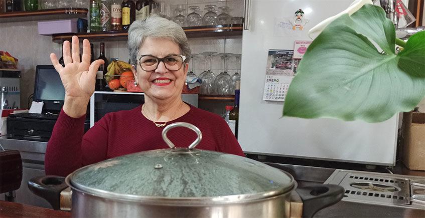 Manuela Estudillo se retira... pero deja puesto el puchero