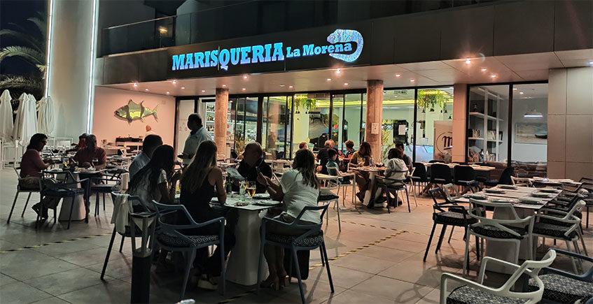 """La Morena, la marisquería """"de guardia"""" en Zahara de los Atunes"""