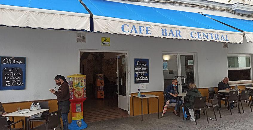 Exterior Bar Central