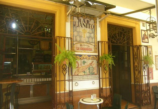 Exterior-Bar-Juanito