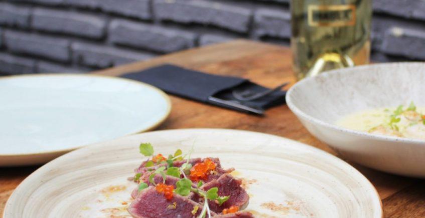 Tataki de atún lacado en salsa de ostras