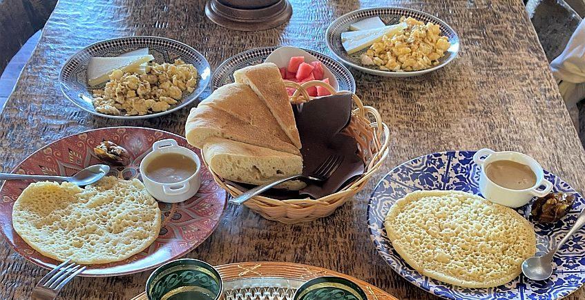 Un desayuno marroquí en una venta puertorrealeña