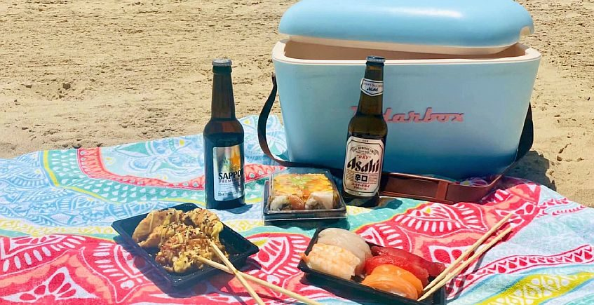 A Camposoto, con palillos: el sushi ya llega a la playa
