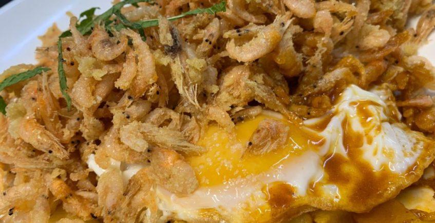 camarones con huevo y callos marinos de La Taberna del Chef del mar