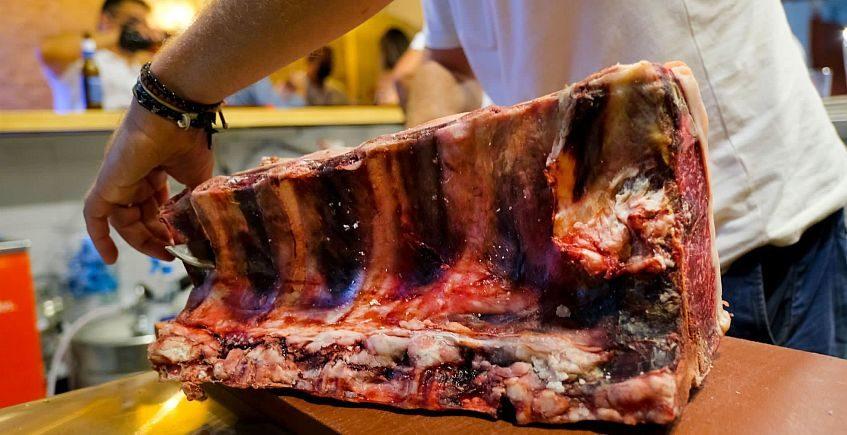 Un restaurante de carne... con carnicería incorporada