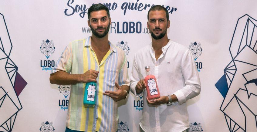Lobo, la nueva crema de tequila con sabores a fresa o chicle creada por dos barreños