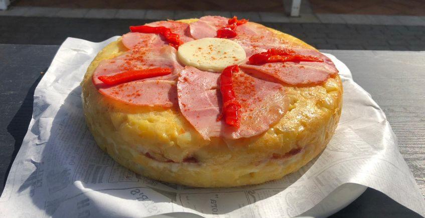 Tortillas rellenas, con pulled pork o con carne al toro, en La Barrosa